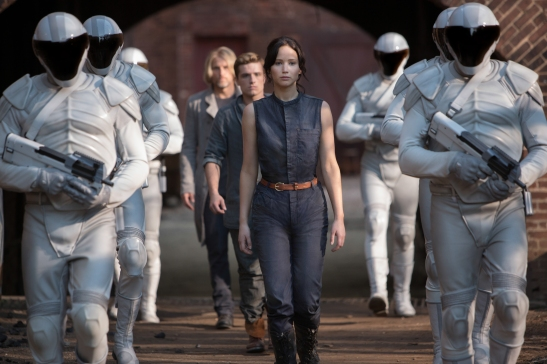 The Hunger Games Catching Fire, Jennifer Lawrence, Josh Hucherson, Film, Series, Book, Novel, Film, Release, Cinema, Francis Lawrence, Drama, Action, Dystopia, Greg Wetherall
