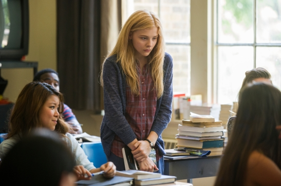 Carrie, chloe moretz, kimberly Peirce, film, movie, review, remake, julianne moore, stephen king, greg wetherall